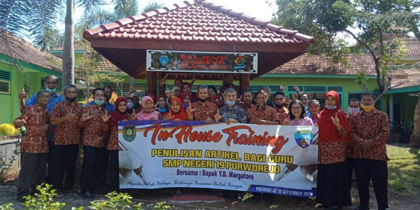 In House Training (IHT)  Penulisan Artikel